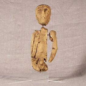 Fragmentos de estatuilla masculina