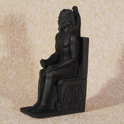 Faraón sedente ( Kefren)